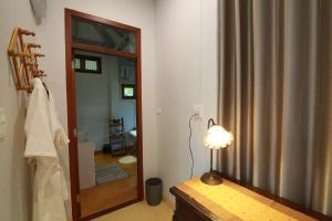 A bathroom at BaanSuk Sukhothai Resort