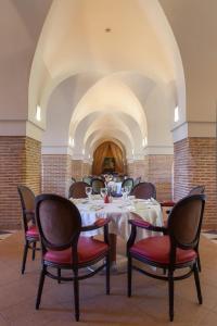 Restaurant ou autre lieu de restauration dans l'établissement Atlas Medina & Spa