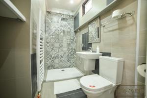 A bathroom at Centro Apartments