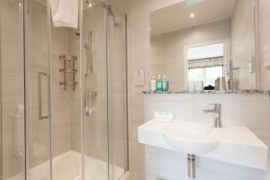 A bathroom at Kilcamb Lodge Hotel
