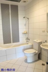 A bathroom at 雁窩Goose Nest