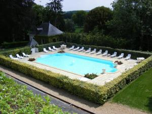A view of the pool at Chateau de Chissay or nearby