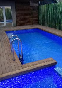 The swimming pool at or close to Hotel Dgemetinskiy