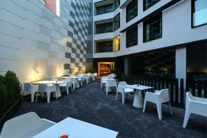 A restaurant or other place to eat at Olivia Balmes Hotel