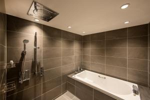 A bathroom at karaksa hotel premier Tokyo Ginza