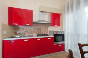 A kitchen or kitchenette at Leccesalento Bed And Breakfast
