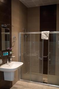 A bathroom at GSG Hotel