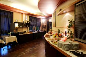 A restaurant or other place to eat at Pompei Resort