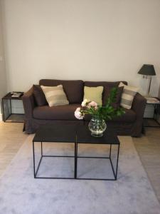 A seating area at Appartement Cherche-Midi