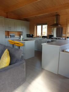 A kitchen or kitchenette at Ruth's Retreat