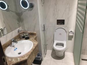 Um banheiro em Olayan Diamond Hotel - Al Maabda