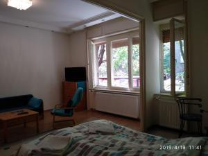TV a/nebo společenská místnost v ubytování Lara apartman