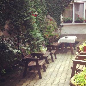 Un restaurant sau alt loc unde se poate mânca la Vila Monica