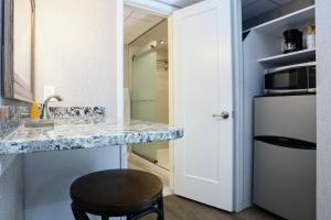 A kitchen or kitchenette at Grand Hotel Cape May
