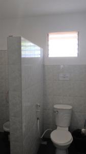 A bathroom at Tori's Backpacker's Paradise