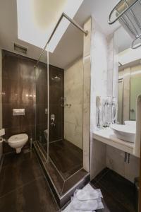 Salle de bains dans l'établissement Style Star Hotel Cihangir