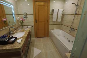 Een badkamer bij Aqua Blu Sharm El Sheikh - Families and couples only