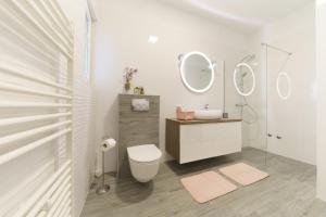 A bathroom at Apartment Carmen