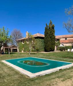 The swimming pool at or near Exclusiva Casa Rustica