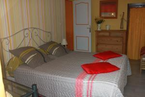 Un ou plusieurs lits dans un hébergement de l'établissement Le Mas Bertrand