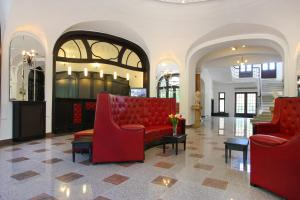 The lobby or reception area at Hotel Palace