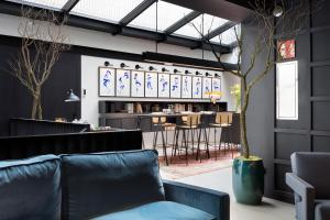 The lounge or bar area at Boutique Hotel Casa Volver