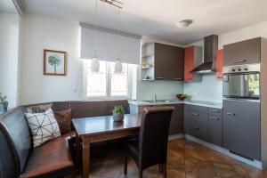 Kuchyň nebo kuchyňský kout v ubytování Appartements Kaserbacher