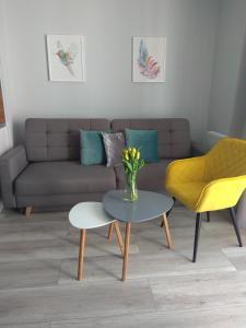 A seating area at Apartament Cesarski Agnes