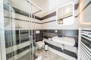 A bathroom at Apartments Pushkin