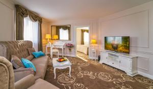 Część wypoczynkowa w obiekcie Don Giovanni Hotel Prague - Great Hotels of The World
