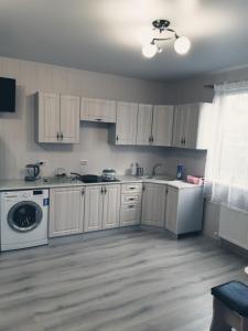 A kitchen or kitchenette at Элефтерия