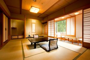 A seating area at Tachibanaya
