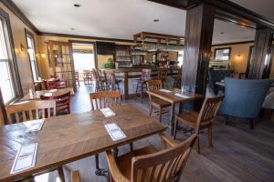 A restaurant or other place to eat at The Lucerne Inn