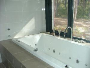 A bathroom at Braidwood Escape