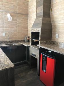 A kitchen or kitchenette at Thermas Paradise Cobertura de Alto Padrão
