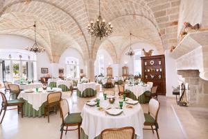 Een restaurant of ander eetgelegenheid bij Masseria San Domenico