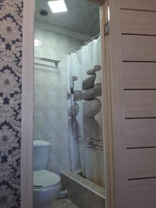 A bathroom at Керуен сарайы, гостиница