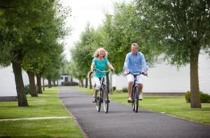 Biking at or in the surroundings of Holiday Home Jonckershof