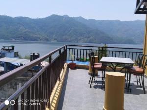 A balcony or terrace at Hotel Fewa Dream