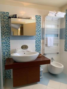 A bathroom at Hotel Villa Cittar