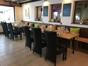 A restaurant or other place to eat at Hotel Bienefeld