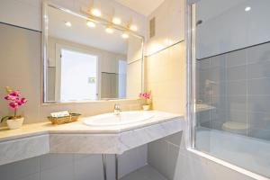 حمام في Hostal Molins Park