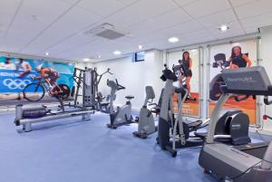 The fitness centre and/or fitness facilities at Van der Valk Hotel Leiden