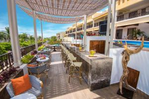 A restaurant or other place to eat at Panama Jack Resorts Playa del Carmen All Inclusive