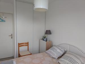 A bed or beds in a room at Via Calanca
