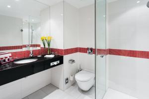 Ein Badezimmer in der Unterkunft OREA Hotel Angelo Praha
