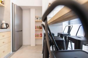 Majoituspaikan Bedspot Hostel keittiö tai keittotila