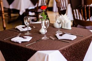 A restaurant or other place to eat at City Club