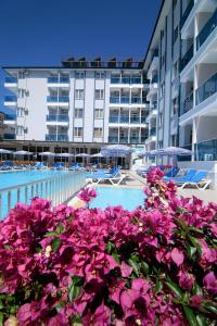 The swimming pool at or near Enki Hotel