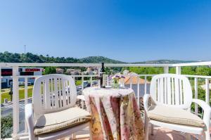 A balcony or terrace at Pansion Srebreno